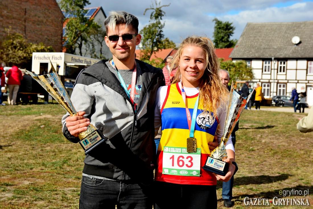 Zwycięzcy 48 BT Doliną Dolnej Odry w klasyfikacji mężczyzn i Kobiet