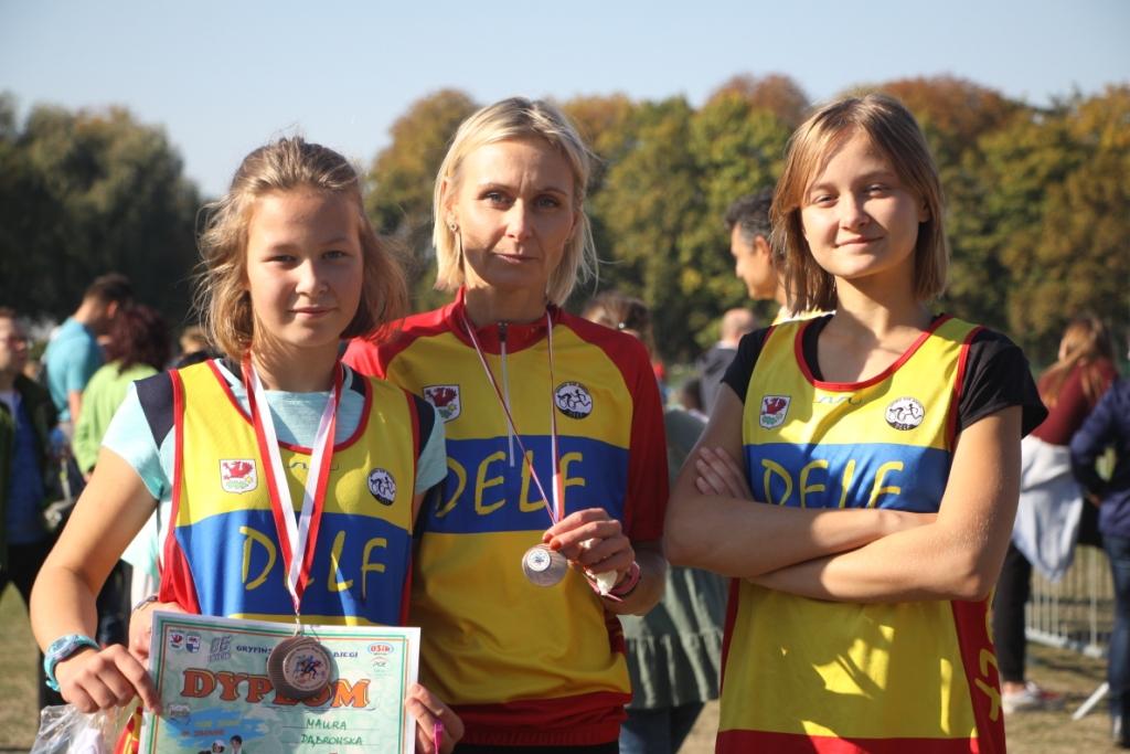 Dumna Mama Ola z córkami Dagną i Maurą.