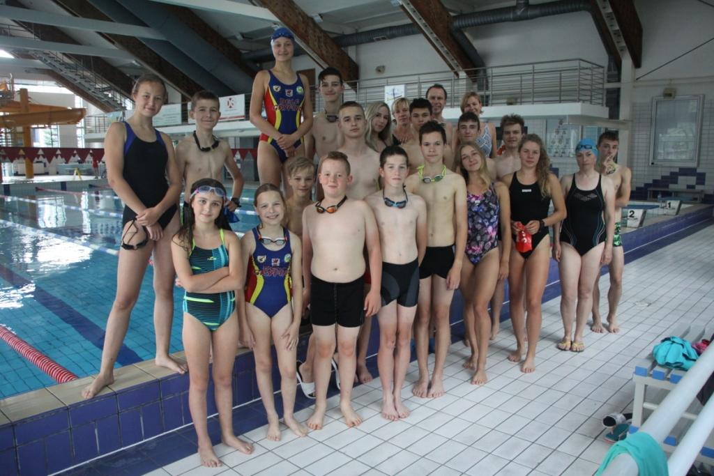 Na pływalni w Wałczu - grupa Delf