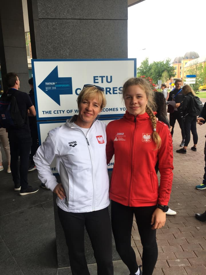 Julia Sanecka z trenerką Moniką Sanecką