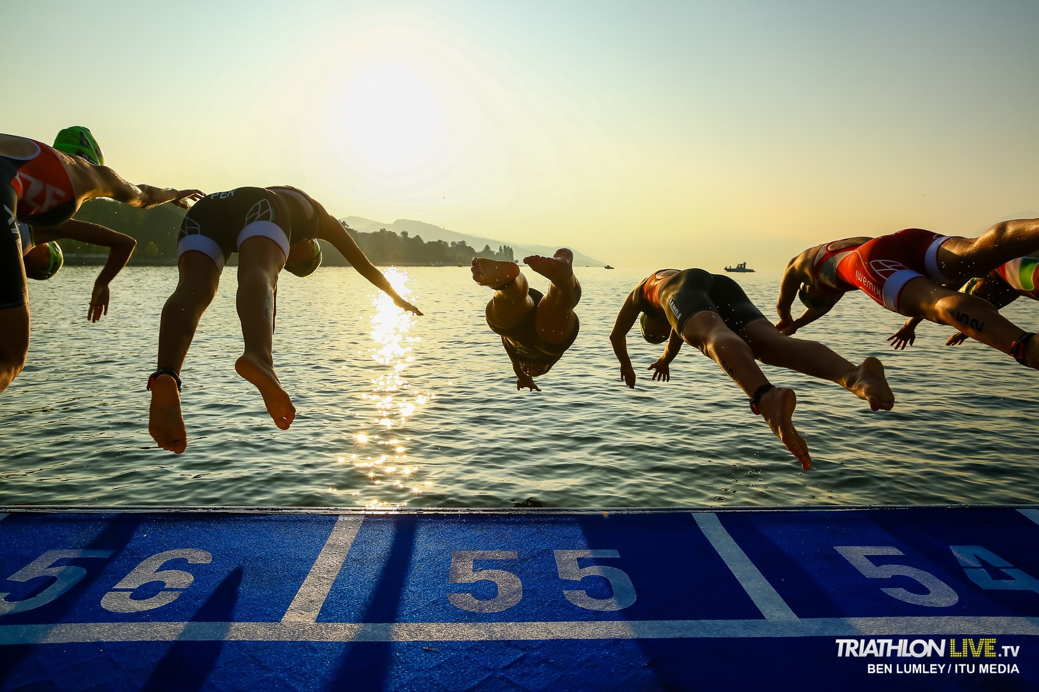 Start do pływania podczas Mistrzostw Świata Juniorek w Lozannie 2019 - startowała Julia Sanecka delf Gryfino
