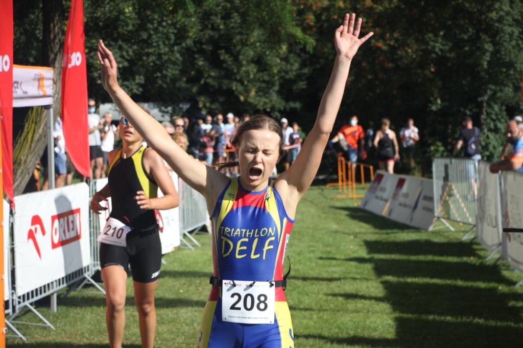 Dagna Dąbrowska finiszująca podczas Mistrzostw Polski Młodzików 2020