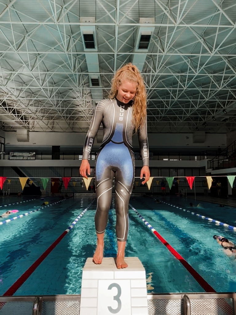 Julia Sanecka w nowej piance pływackiej HUUB Brownlee Agilis