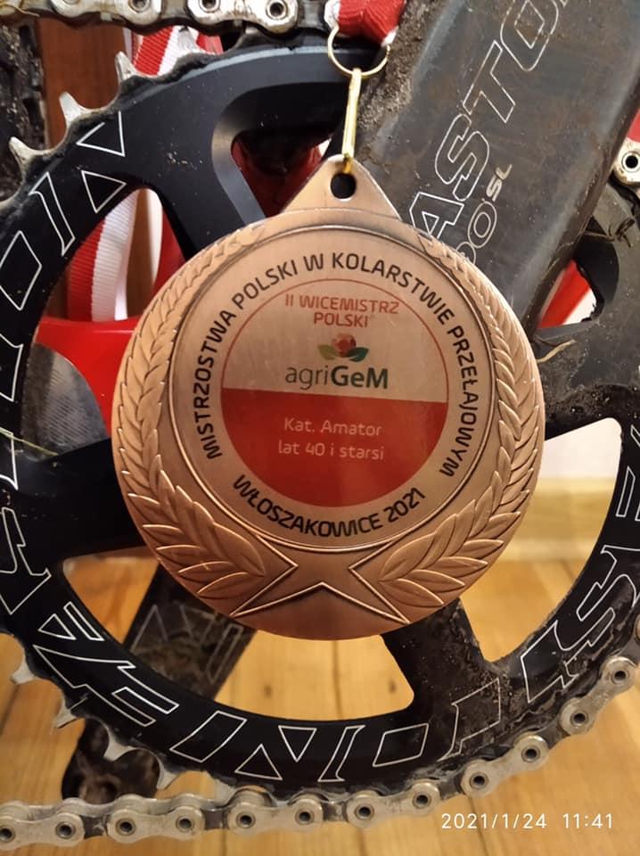 Brązowy medal zdobyty przez Karola Pietraszuka podczas 84 Mistrzostw Polski Amatorów 40+ w Kolarstwie Przełajowym